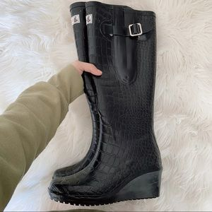 WEDGE WELLY Flex Man Eater Rain Boots -Size 6(EUC)